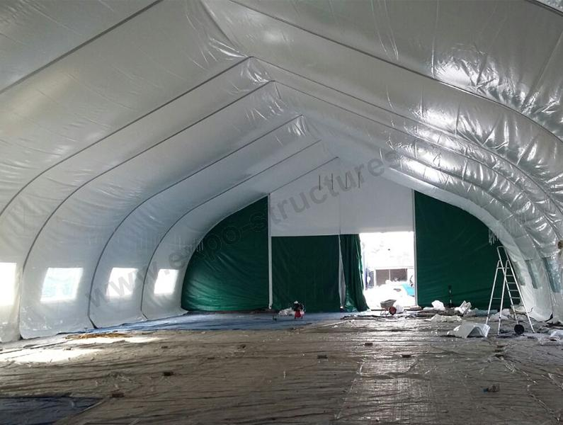 Sports Tent with Double Layers of Cover in Winter